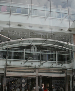 Store Fulfillment Assistant (Seasonal) - Manchester - Harvey Nichols Leeds